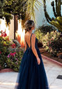 Robe de soirée en tulle avec strass en Twilight Blue