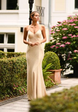 Abendkleid mit Schlitz in Glitter Gold