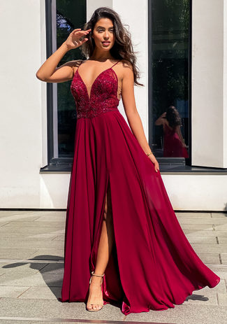 Evening dress made of Chiffon with thin straps in Rio Red