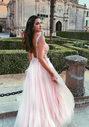 Abendkleid aus Tüll mit Strassbesatz in Pearl Pink