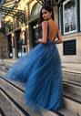 Robe de soirée en tulle avec strass en bleu glace