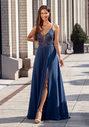 Vestido de noche con adornos bordados en índigo vintage