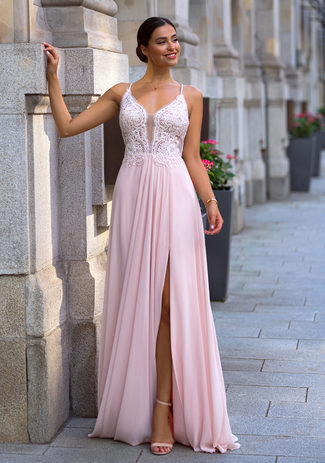 Evening dress with embroidery embellishments in Pearl Pink
