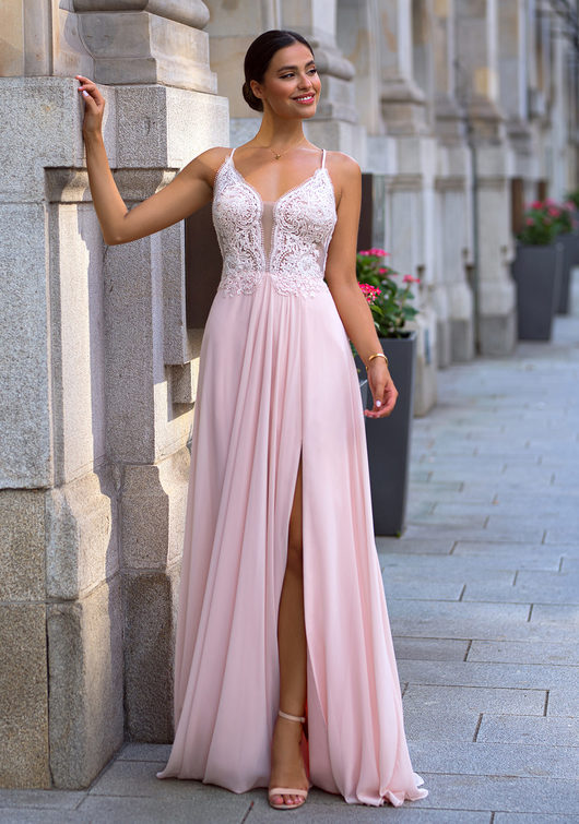 Evening dress with embroidery decorations in pearl pink