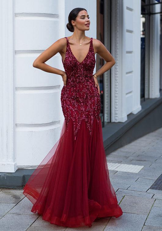 Robe de soirée en tulle avec décoration élaborée en rouge Rio