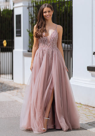 Vestido de noche de tul con pedrería en Dawn Pink