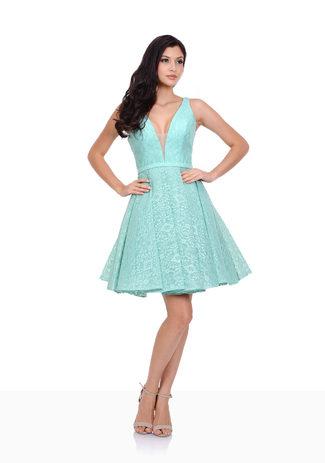 Kleid sieht optisch anders aus. Diese Form aber mit Spitze